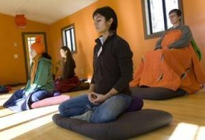 group-meditation-5
